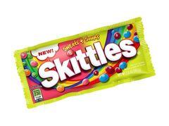 Жевательная конфета Skittles Sweet Sours с фруктовой начинкой 56.7 грамм